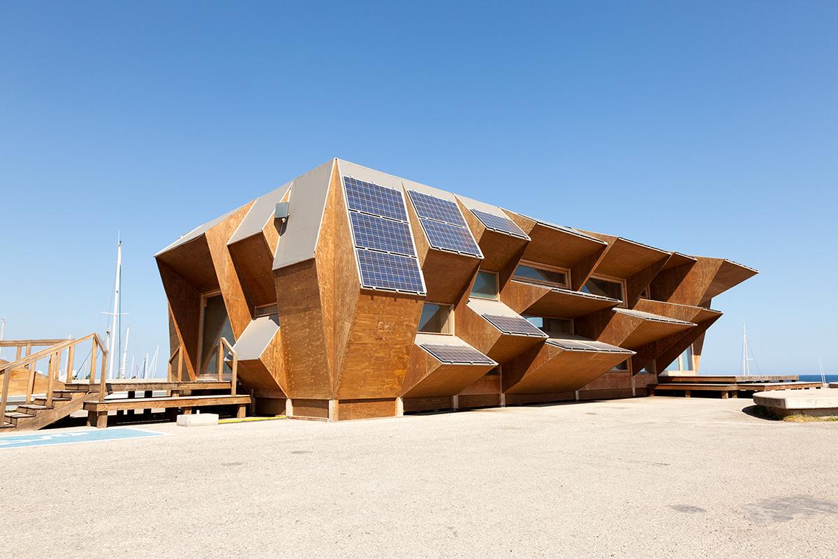 Barcelona Solar House By Professional Photographer Yannick Dixon